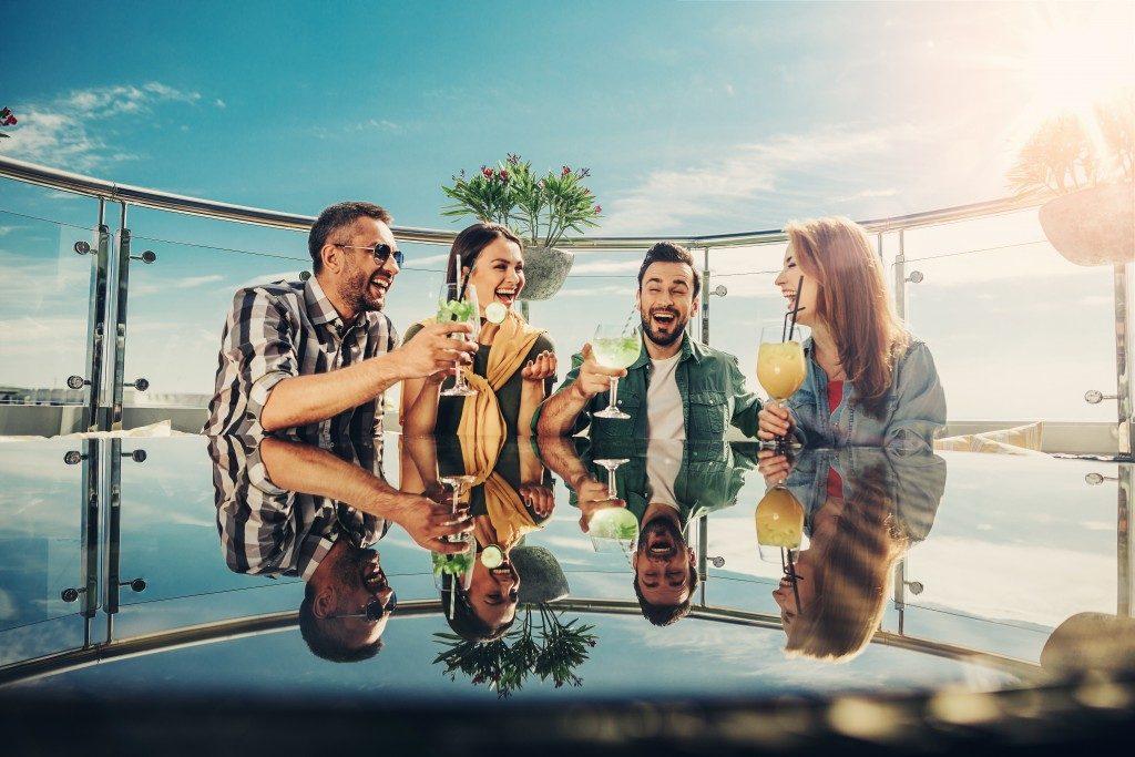 People enjoying drinks