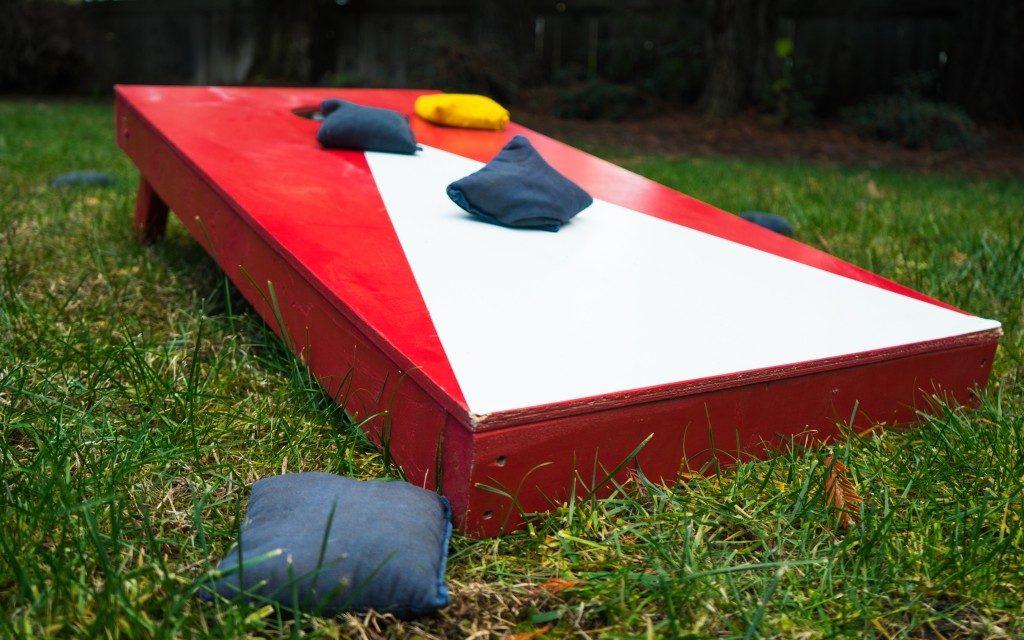 Cornhole toss gameboard