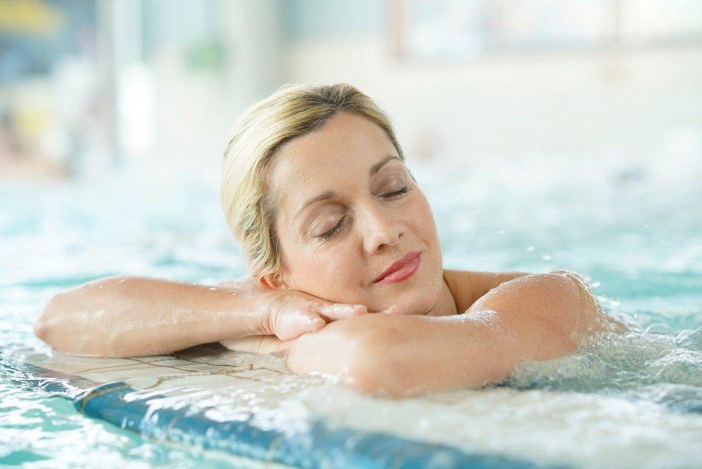 enjoying thermal bath